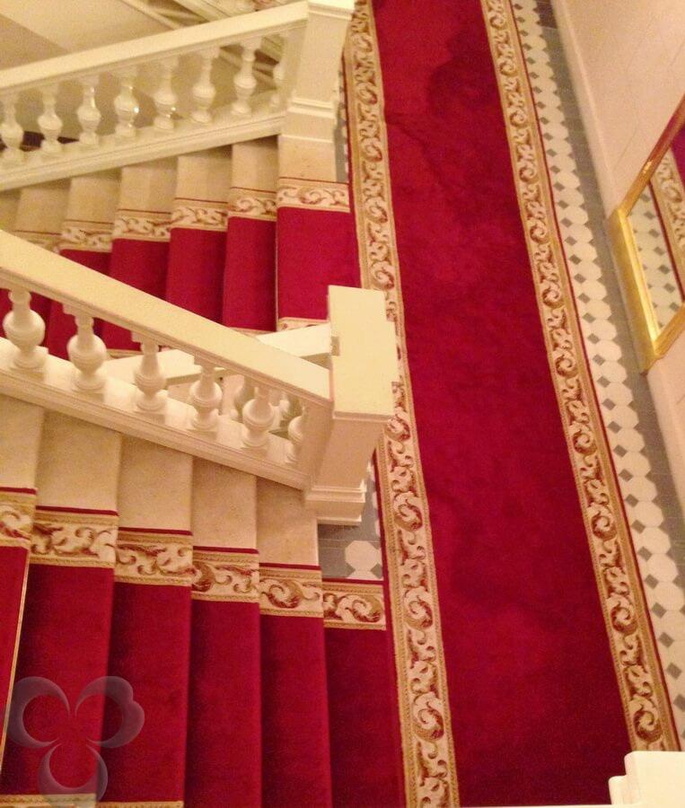Ковровые дорожки на лестнице